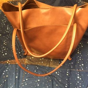 Handbags - EUC ALL-LEATHER Brown Tote UBER CHIC FUNCTIONAL